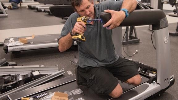 gymmachines-fitnessapparatuur-VERZENDING-EN-INSTALLATIE